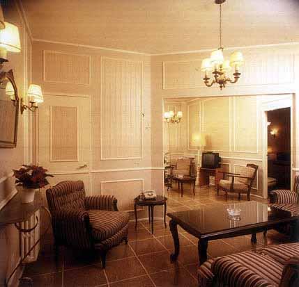 HOTEL LYON ***