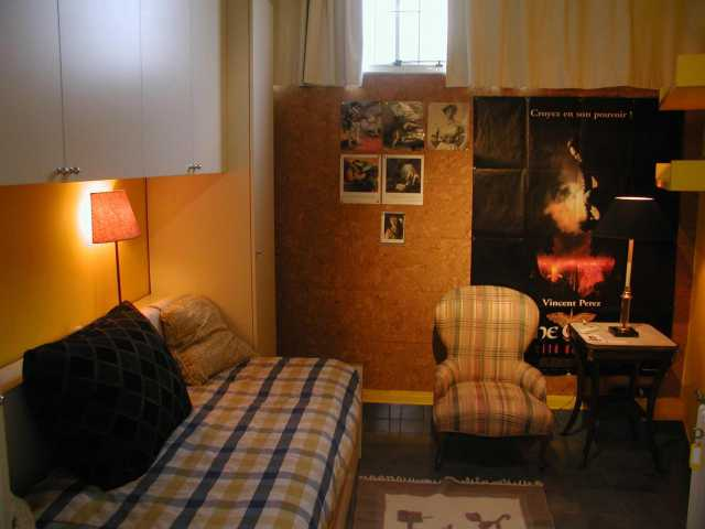 Single room- Click to enlarge the picture
